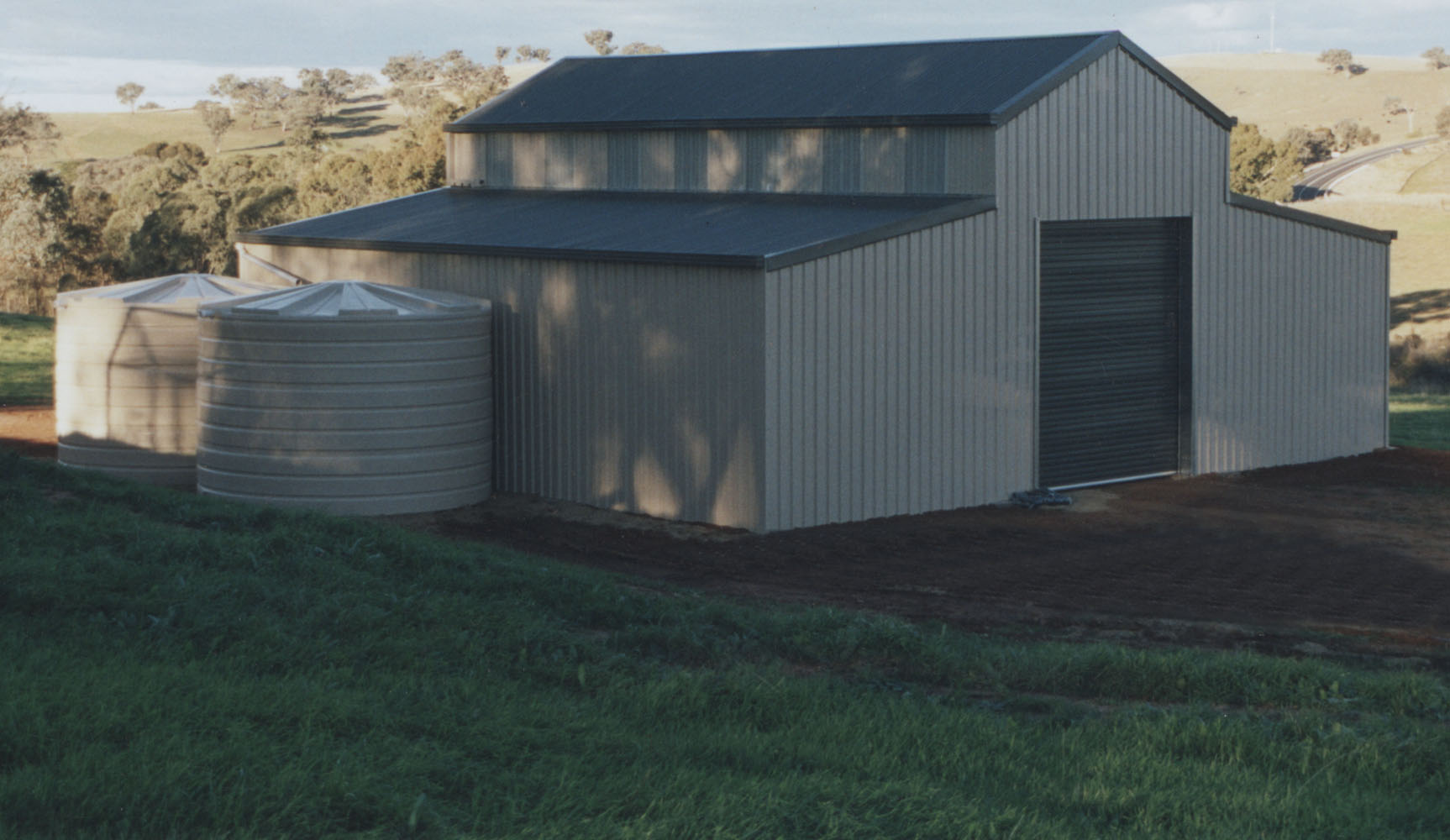 Barns Steel Sheds Barns And Stables